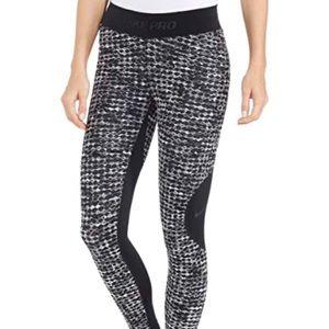 Nike Pro hyper warm athletic leggings tights sz M